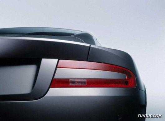 Aston Martin DB9 Supercar