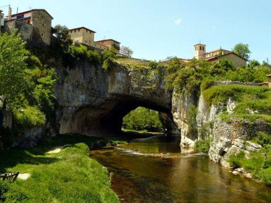 Puentedey - A Natural Stone Bridge