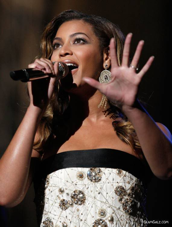 Beyonce at 40th NAACP Image Awards