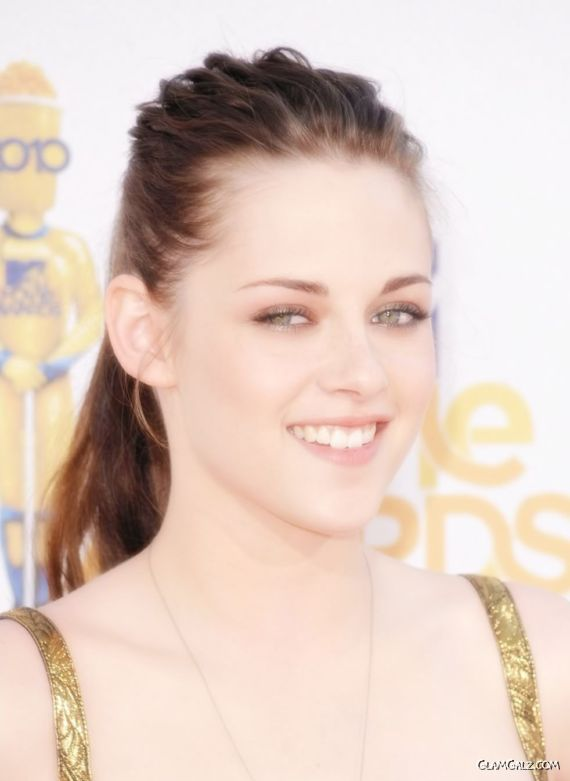 Pretty Kristen Stewart At MTV Awards