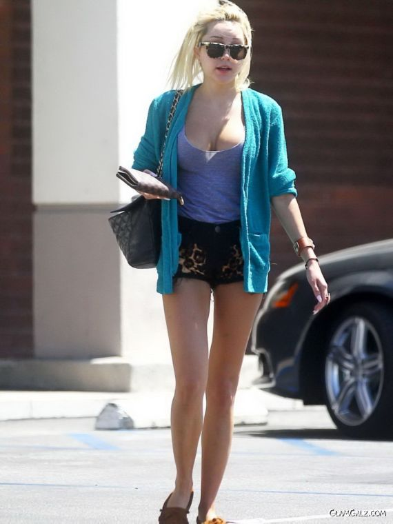 Amanda Bynes Candids In Los Angeles