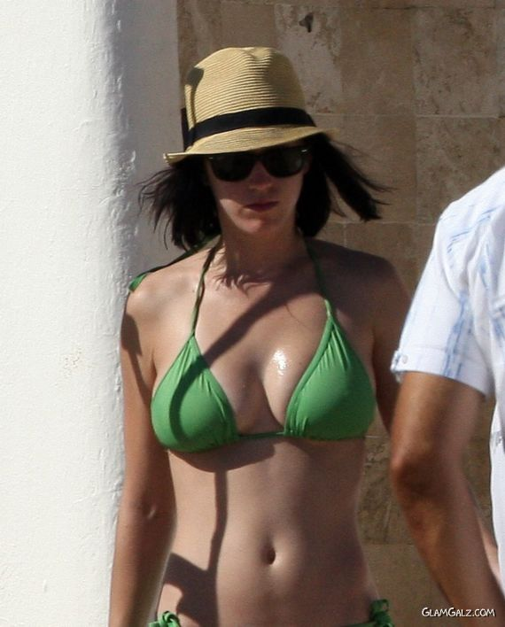 Katy Perry Bikini Photos From Mexico