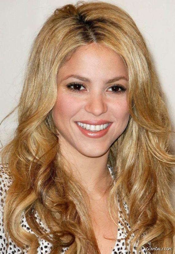 Shakira Promoting Her She Wolf