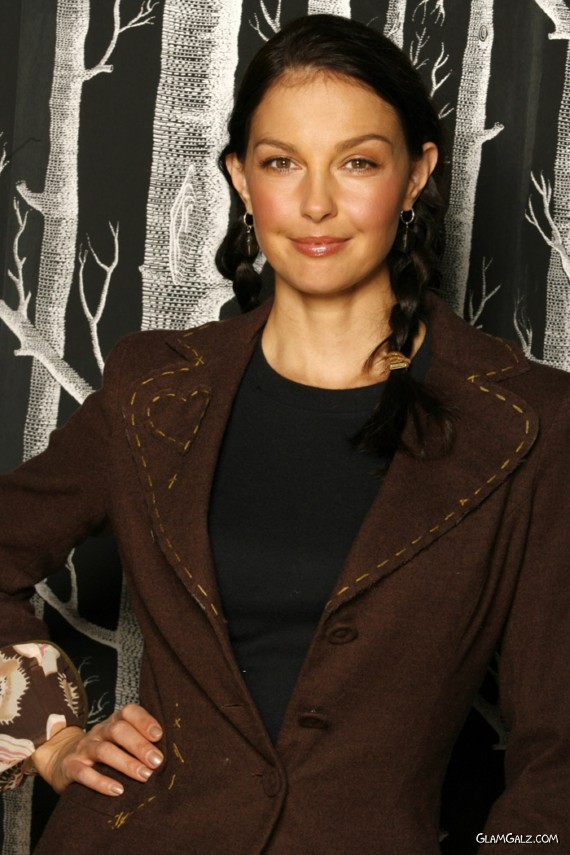 Gorgeous Ashley Judd Photoshoot