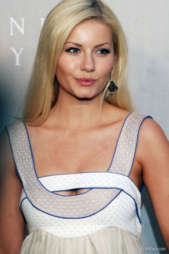Face Of The Month: Elisha Cuthbert