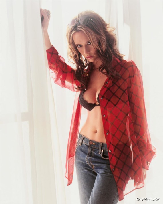 Gorgeous Jennifer Love Hewitt