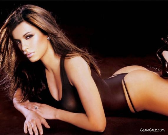 Gorgeous Elisabetta Canalis Photoshoot