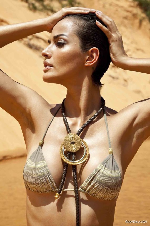 Beautiful Brazilian Model Michella Cruz