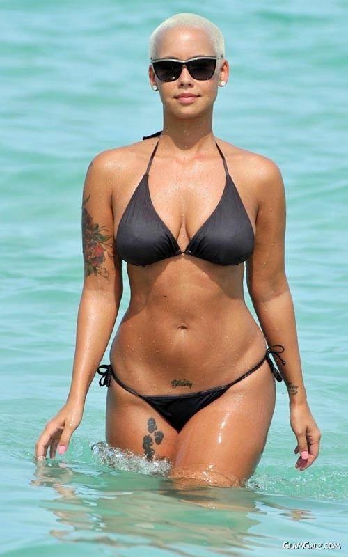 Bald Beauty Amber Rose in Bikini
