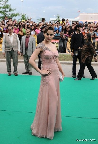 Kangana Ranaut At Premiere of DD at IIFA