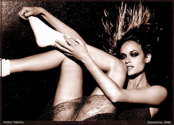 Supermodel Amber Valletta Photoshoot