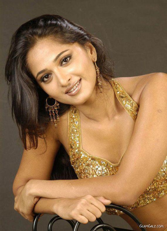 Actress Anushka Shetty Rock
