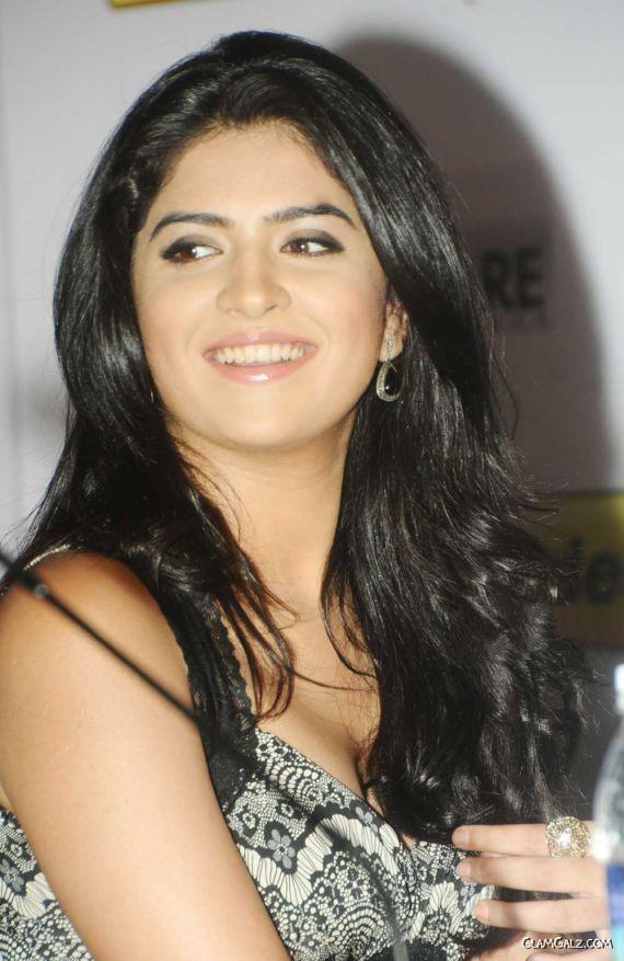 Deeksha Seth Looks Gorgeous