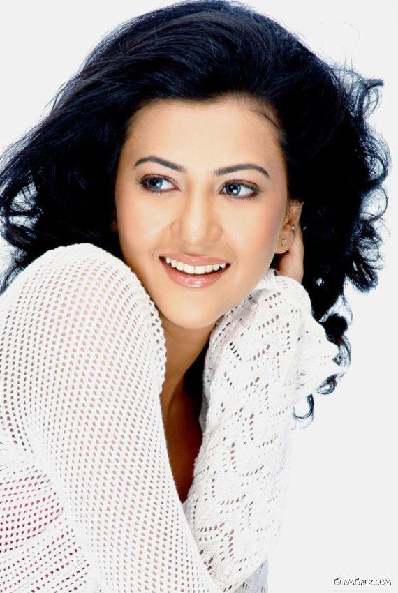 Telugu Actress Kirti Ahuja