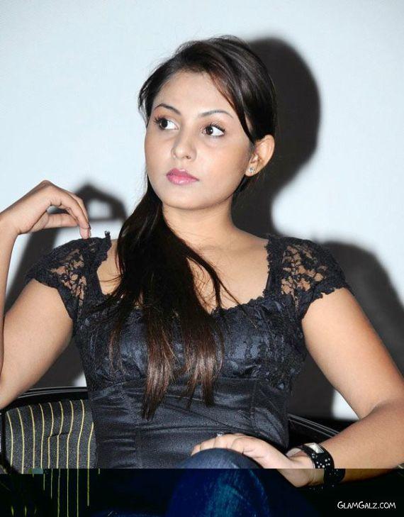 Telugu Beauty Madhu Shalini