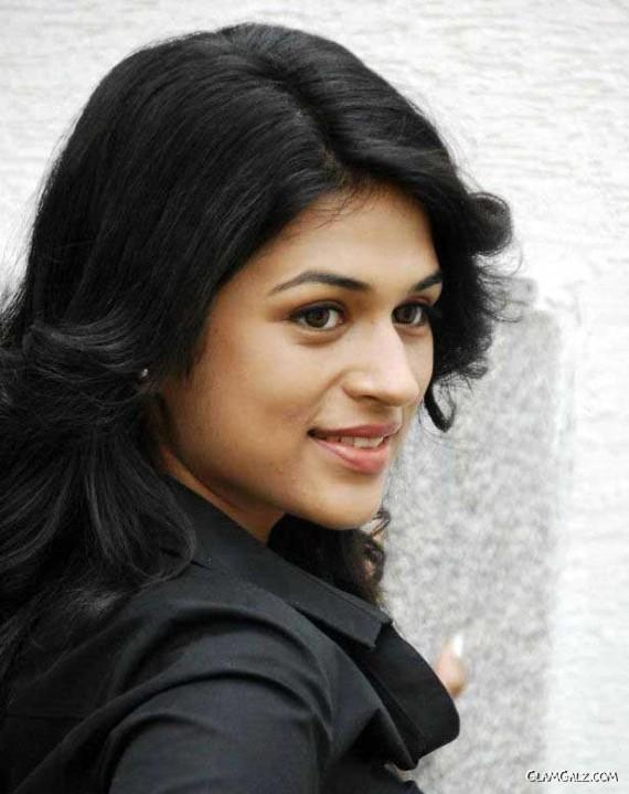 Shraddha Das In Black