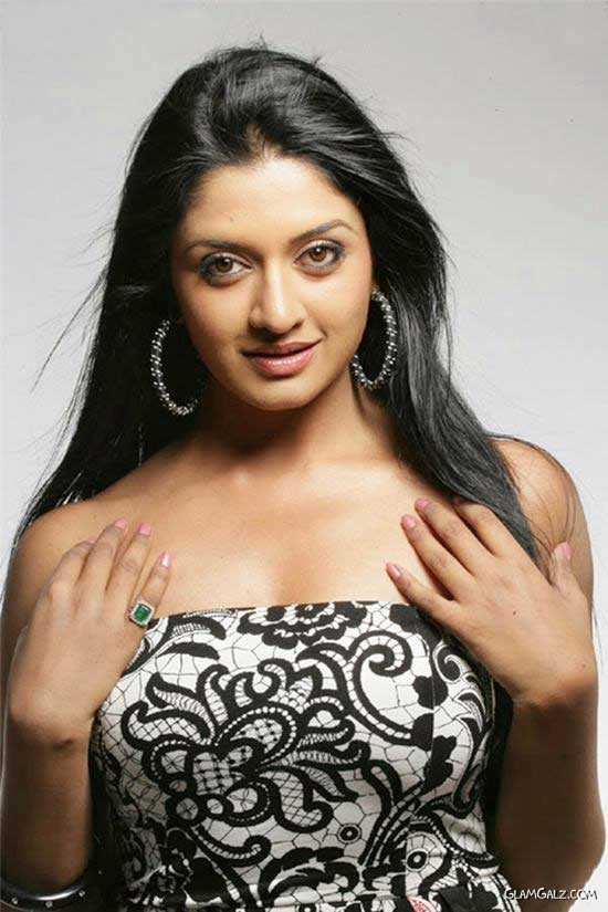 Pretty Vimala Raman Photoshoot