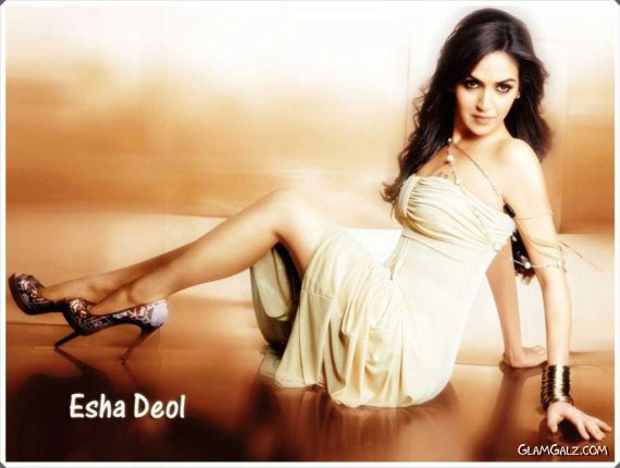 Click to Enlarge - Beautiful Esha Deol Wallpapers