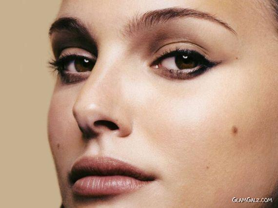 Click to Enlarge - Gorgeous Natalie Portman Walls