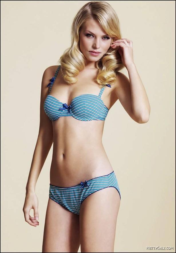 English Model Emma Blocksage