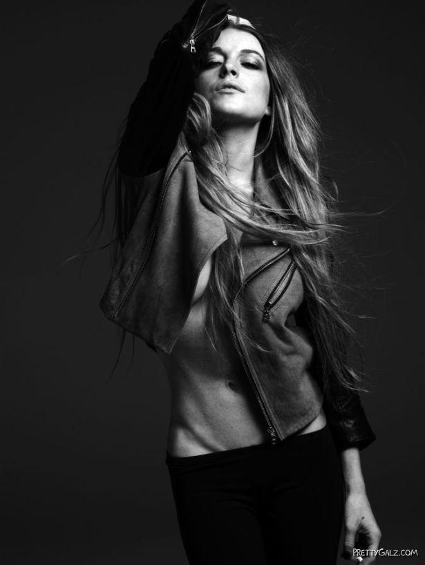 Lindsay Lohan Sexy BnW Photoshoot