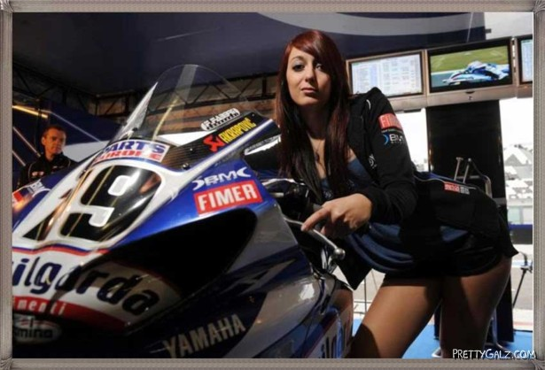 Hot Galz at Yamaha Bike Show