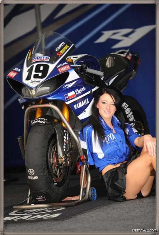 Hot Galz at Yamaha Bike Show