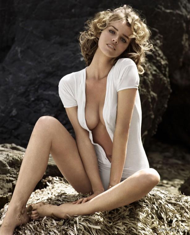 Eva Herzigova for GQ Italy