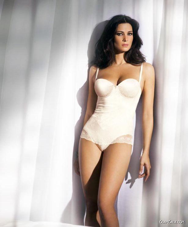 Italian Beauty Manuela Arcuri
