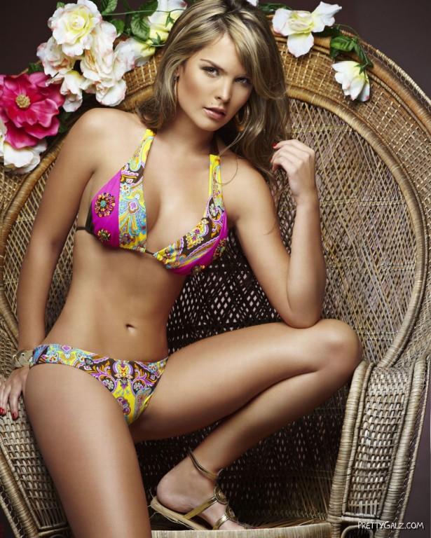 Melissa Giraldo Bikini Photoshoot