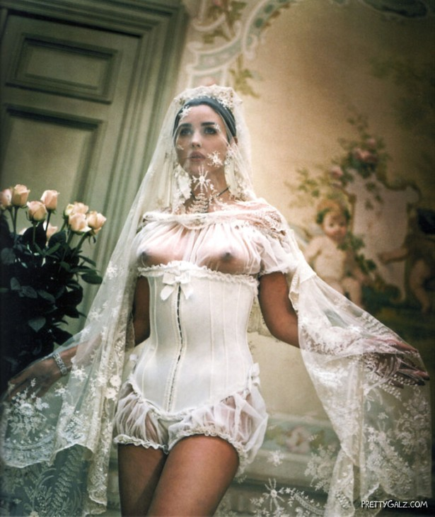 Model - Monica Bellucci